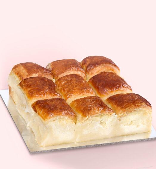 Plăcintă dobrogeană cu brânză și smântână – mediu